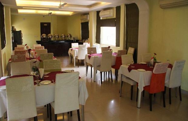 фотографии отеля Clarks Inn Nehru Place изображение №11