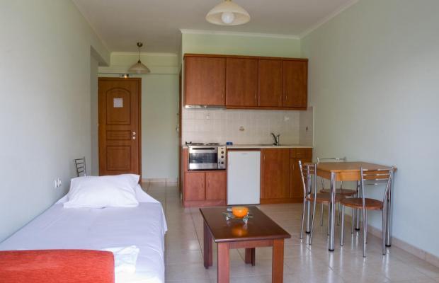 фотографии отеля Lazaratos изображение №15