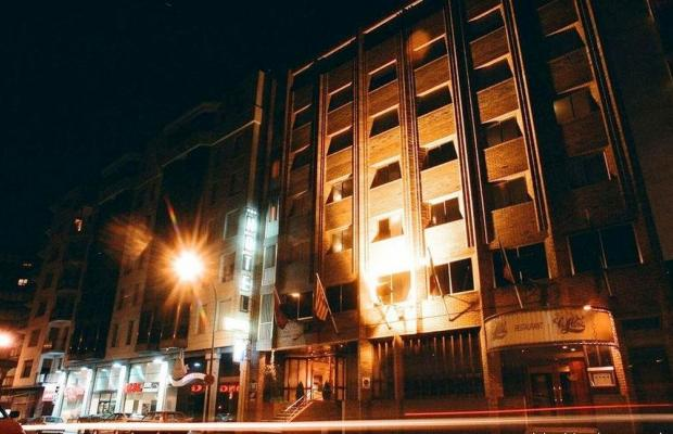 фотографии отеля Camparan Suites изображение №7