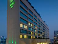 Holiday Inn Mumbai International Airport, 4*