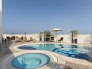 Howard Johnson Bur Dubai (ex. Highland Hotel; Arif Castle), 3*