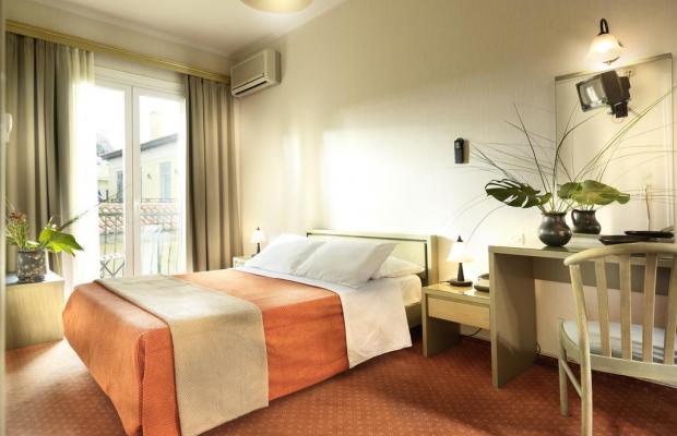 фото отеля Adrian изображение №9