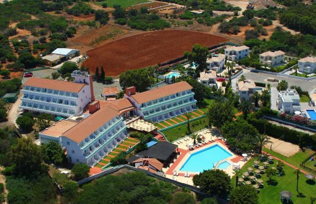 фото отеля Adelais Bay изображение №1