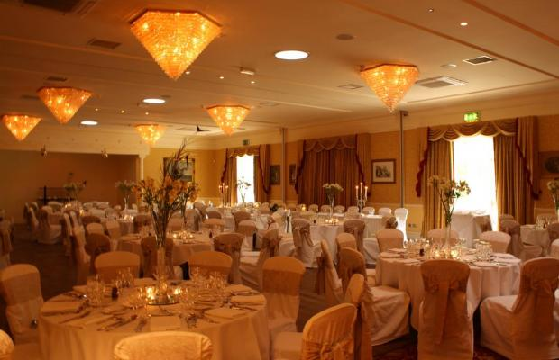 фото Finnstown Castle Hotel изображение №2