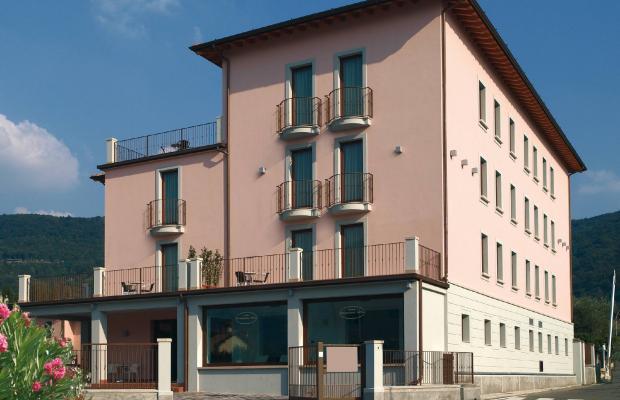 фотографии International Hotel изображение №4