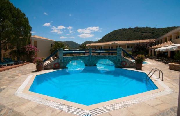 фотографии отеля Karavostasi Beach Hotel изображение №7