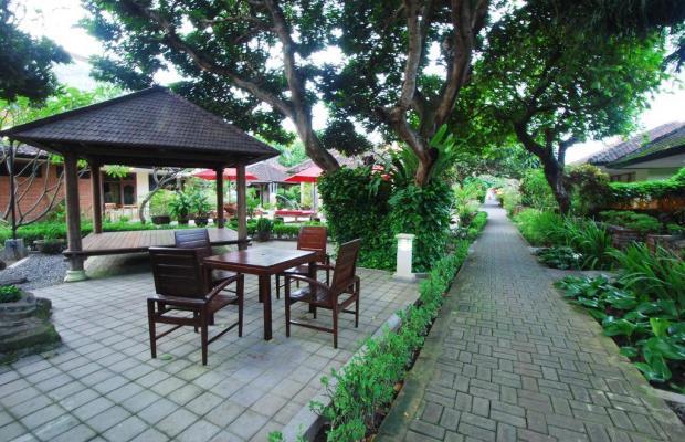 фото отеля Yulia Beach Inn Kuta изображение №17