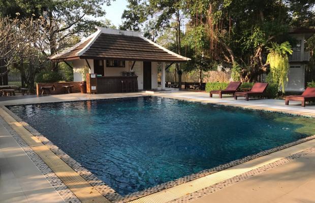 фото отеля Tharaburi Resort изображение №1