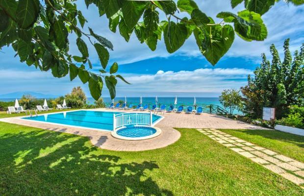 фото отеля Loukas Apartments On The Waves изображение №13