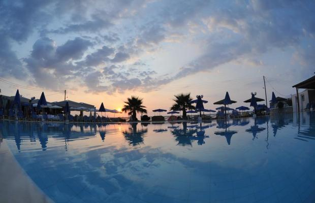 фотографии отеля Acharavi Beach Hotel изображение №7