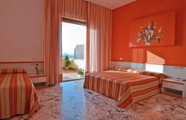 фотографии отеля Azzolini Palm Beach Hotel изображение №3