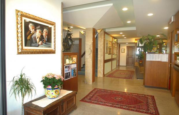 фотографии отеля Hotel Milton Iris изображение №7