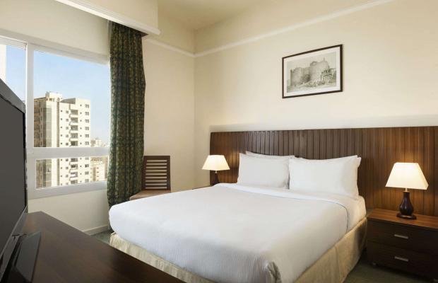 фото Ramada Beach Hotel (ex. Landmark Suites Ajman; Coral Suites) изображение №18