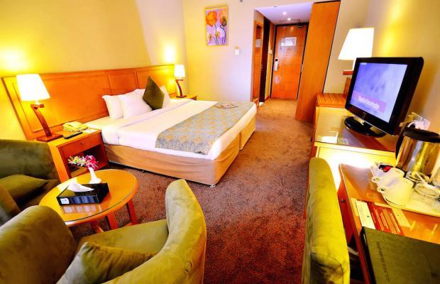 фото Summit Hotel (ex. Hallmark Hotel; Commodore; Le Baron) изображение №30