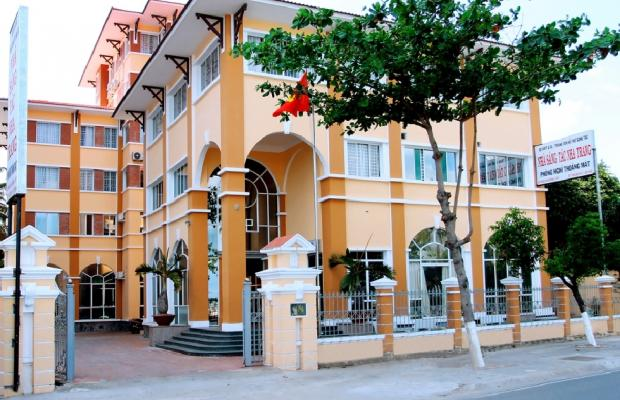 фото отеля Nha Sang Tac Hotel изображение №1