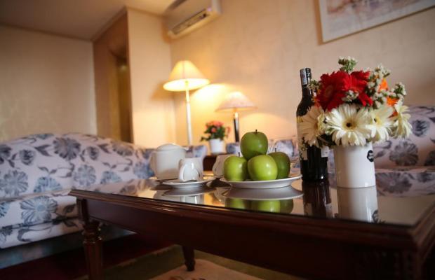 фото отеля New Epoch изображение №5