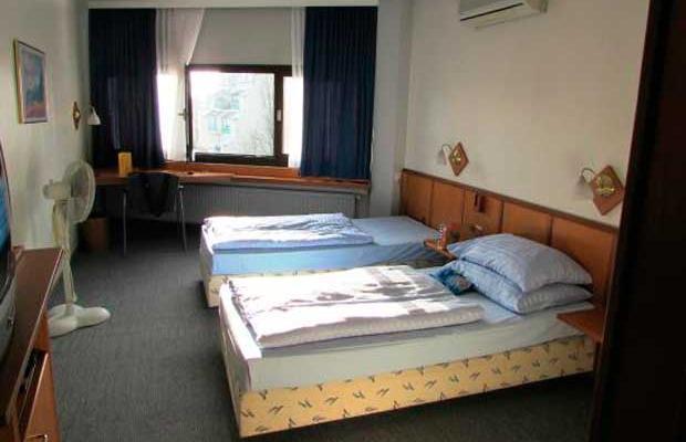 фотографии отеля Hotel Corvinus изображение №3