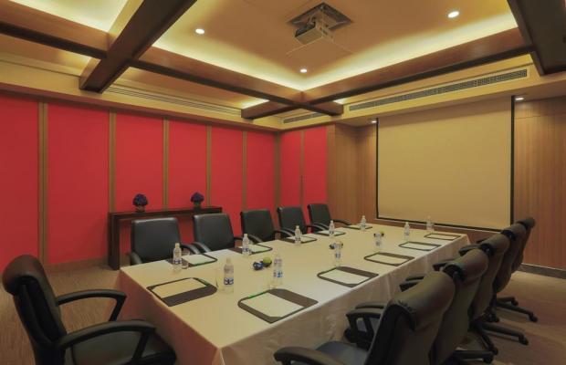 фотографии отеля Holiday Inn & Suites Makati изображение №7